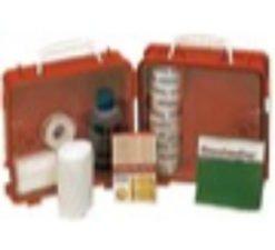 Erste-Hilfe-Kasten und Armbänder gegen Seekrankheit